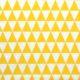 Żółte trójkąty na białym tle